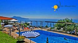Holiday apartment in Termini, on Sorrento Coast - 3 Bedrooms - Sleeps 6 + 2 - Sea View, Terrace and shared pool