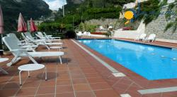 Holiday apartment to rent in Atrani - 1 Bedroom - Sleeps 2 + 1 - Garden View, Terrace - Shared pool